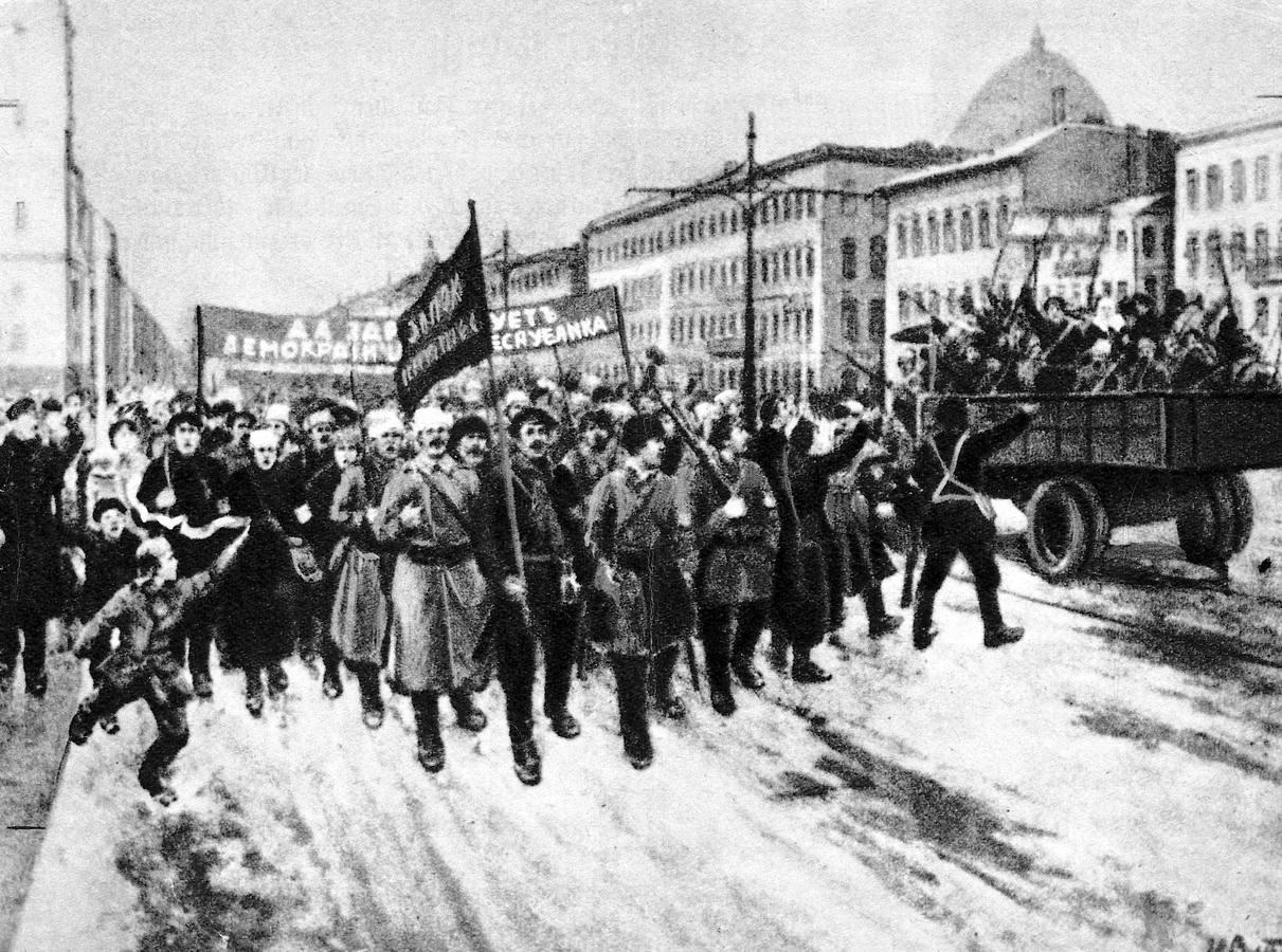 Un dia como hoy pero hace 96 años...  Lenin-revolucion-octubre%20(7)