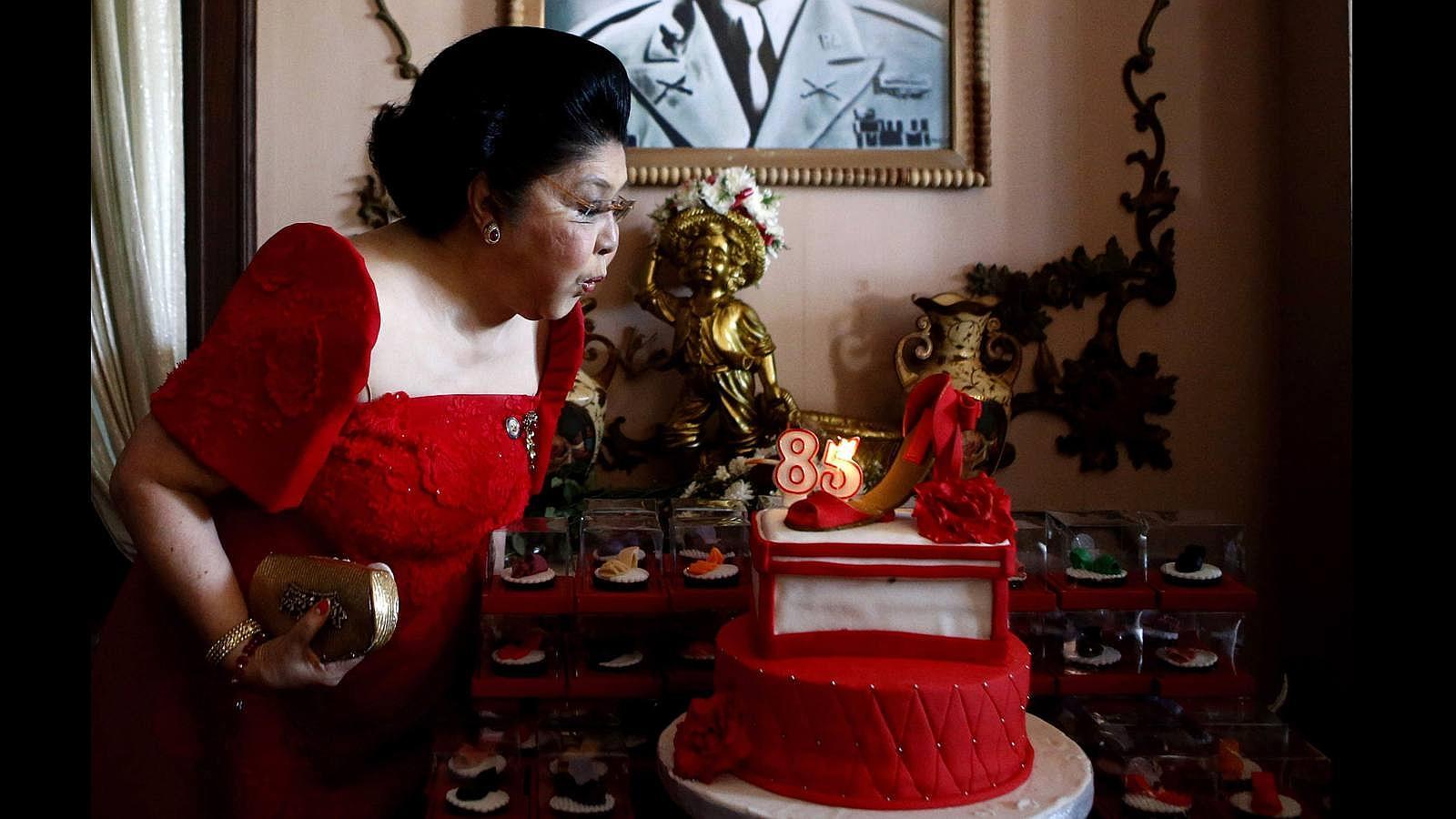 Imelda Marcos, «reina» filipina de los zapatos, cumple 85 años