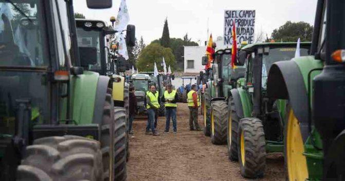 Movilizaciones agrarias: 500 tractores y 200 autobuses se manifestarán en Granada