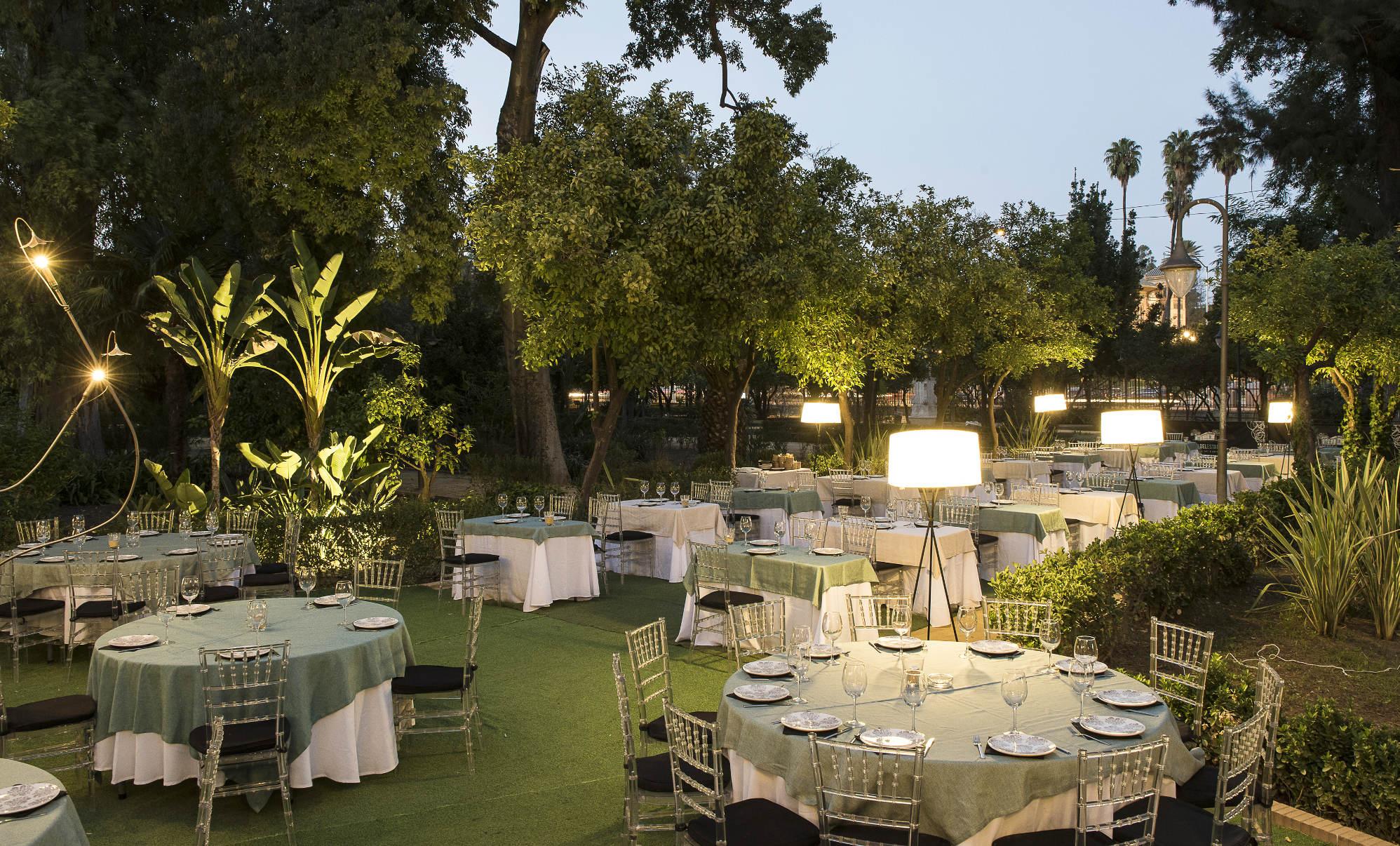 Terrazas y discotecas en sevilla la casa del estanque for El jardin romantico