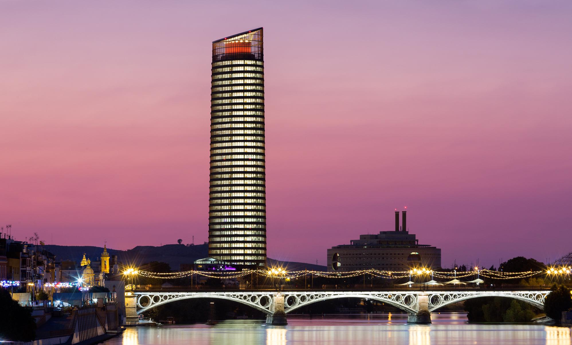 Torre sevilla ofrecer una experiencia nica a los for Hotel eurostar sevilla