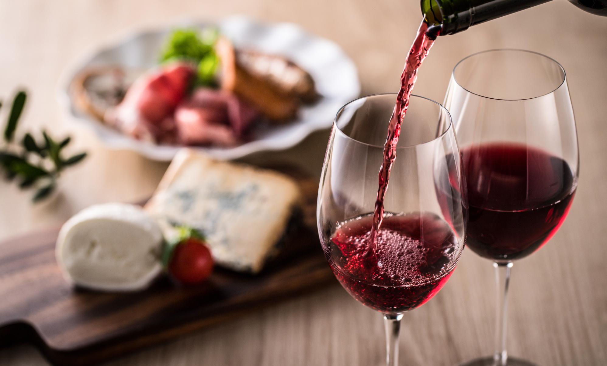 Cómo maridar el vino tinto: 8 vinos que no te puedes perder