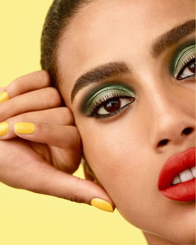 Tendencias de maquillaje 2020: sombras de colores