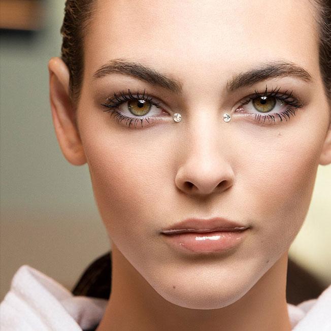 Tendencias de maquillaje 2020: labios vinilo