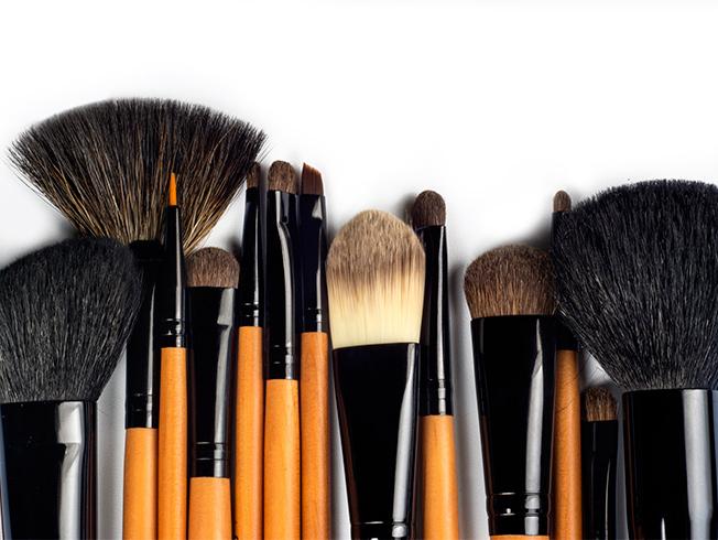 5ce740858 Cómo cuidar las brochas de maquillaje. Trucos y consejos - Bulevar Sur
