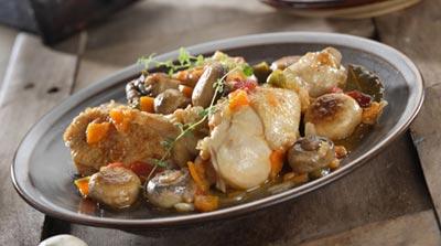 Muslos de pollo con setas y salsa de verduras