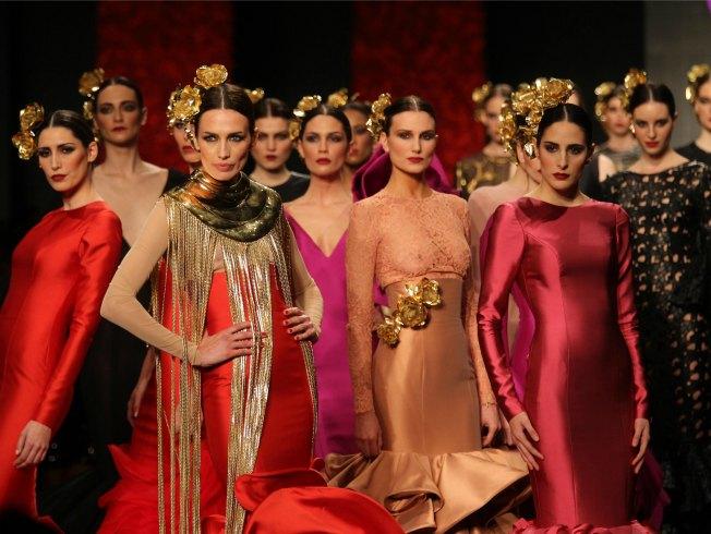 «Las mujeres mandan en la feria a través del traje de flamenca» - Bulevar  Sur 6a75ca57771