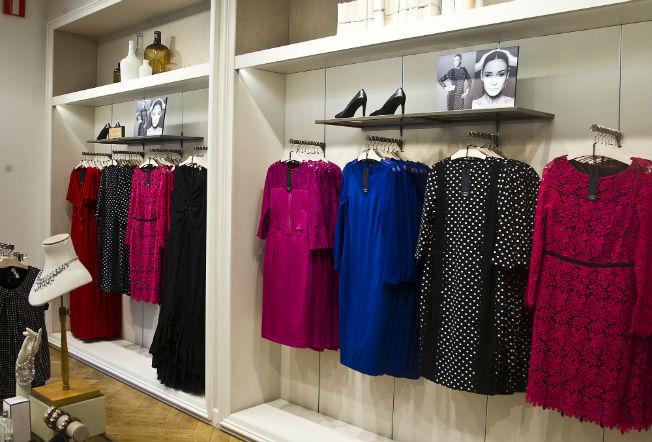 Los diseños de Vicky Martín Berrocal ya cuelgan en las tiendas de Violeta .J.M. Serrano
