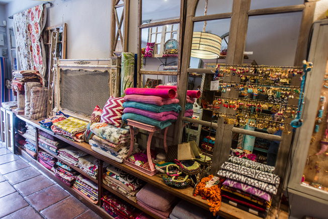 Complementos y textiles de diferentes estilos y excelente calidad
