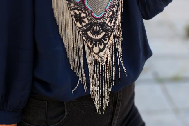 Detalle de la bandana colocada al cuello