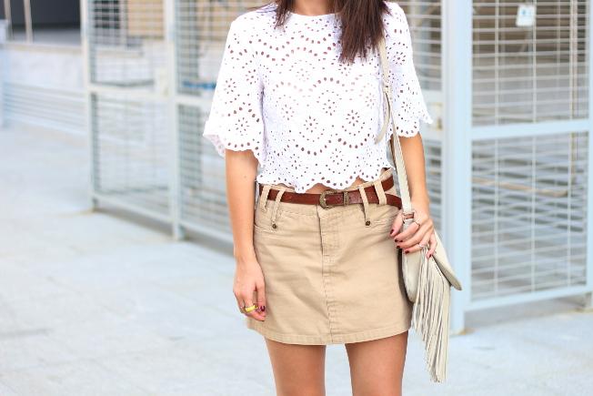Mariola con blusa bordada
