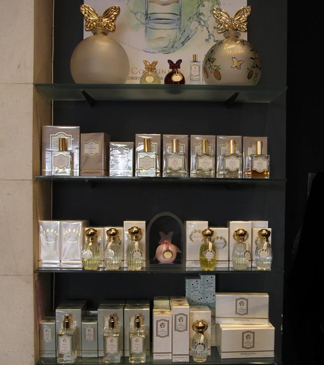 Línea de perfumería, en Cuqui Castellanos