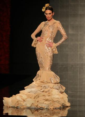 La tendencia del dorado en flamenca, en Vicky M. Berrocal. Raúl Doblado