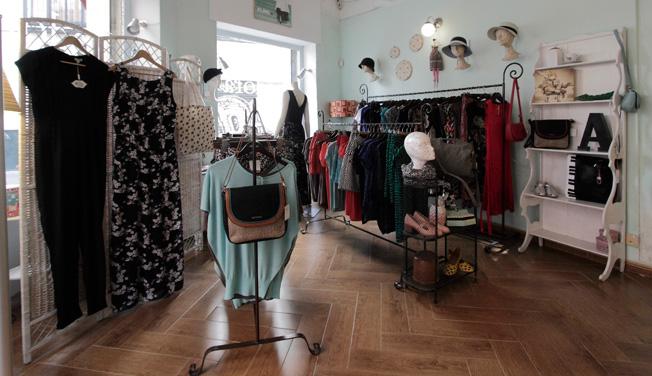 Moda, complementos y accesorios de diferentes estilos