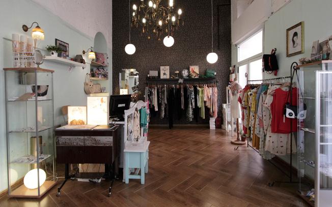 Interior de Isadora, tienda ubicada en un edificio modernista del arquitecto José Espiau y Muñoz