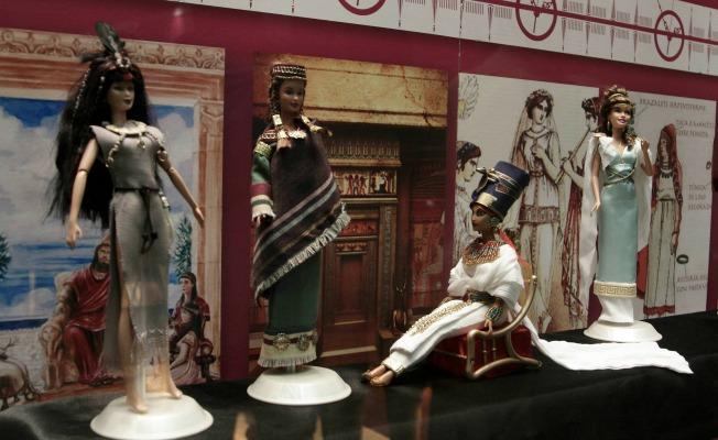 Barbie y la Historia de la moda. Juan Flores