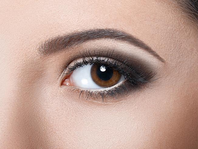 como simular unos ojos grandes con el maquillaje