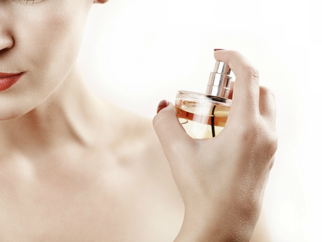 Por qué no usar perfumes si vas a tomar el sol