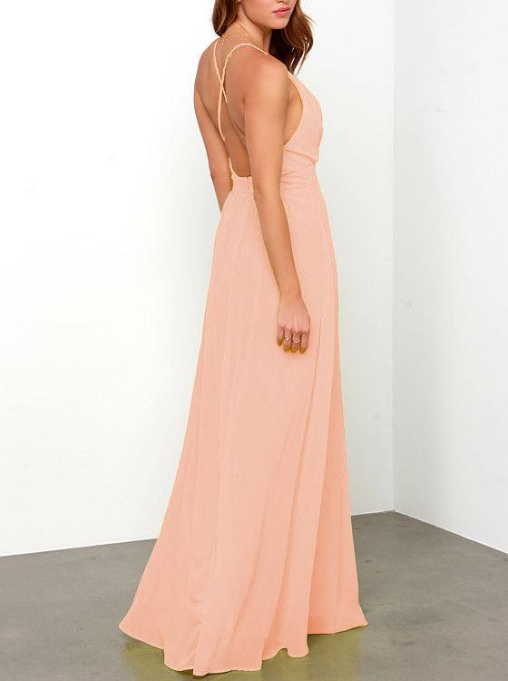 Una opción low cost como este vestido de She Inside en rosa empolvado para una boda de noche por 21 euros.  Más información