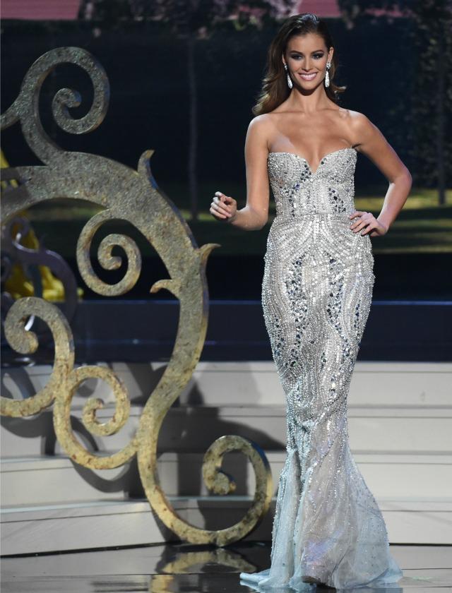 Desiré Cordero en unos de los desfiles de su participación en Miss Universo. AFP.