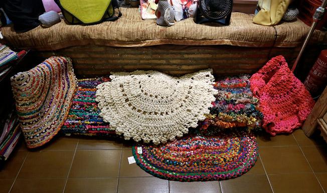Alfombras elaboradas artesanalmente procedentes de La India