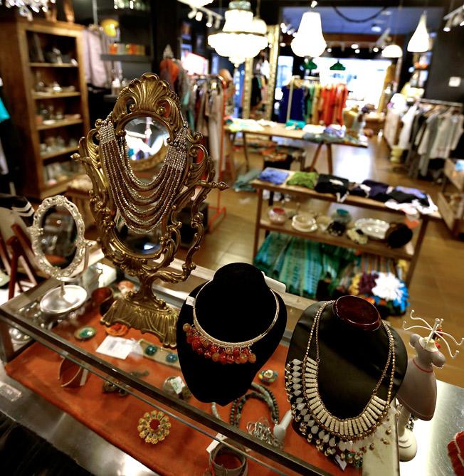 Exclusiva selección de accesorios disponible en Le Marché