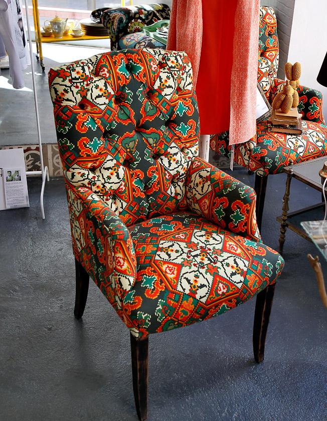 Butaca capitoné años 50 restaurada con original tapizado de colores
