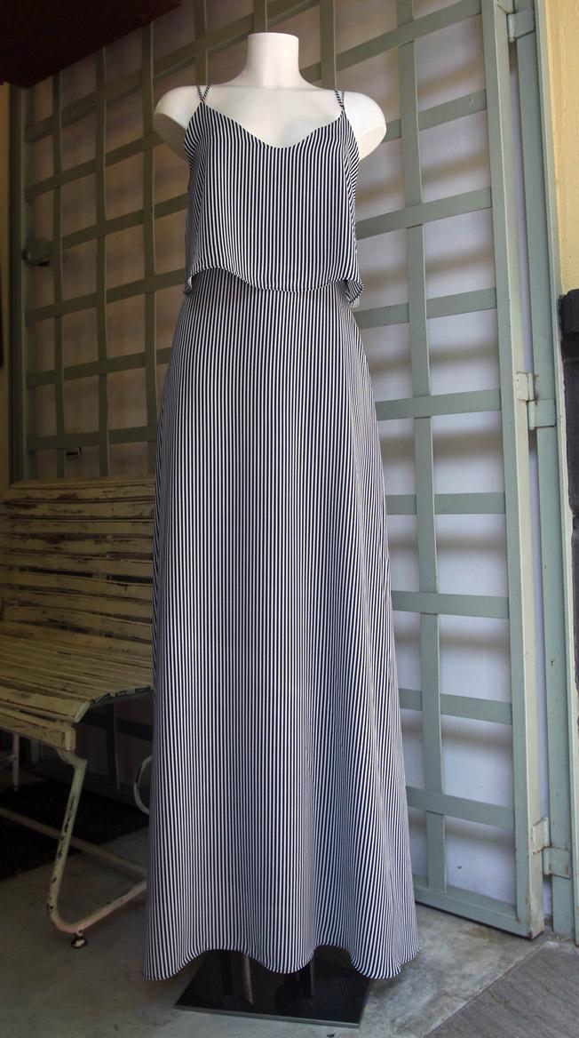 Maxi dress de tirantes con estampado de rayas azul marino de Second Female