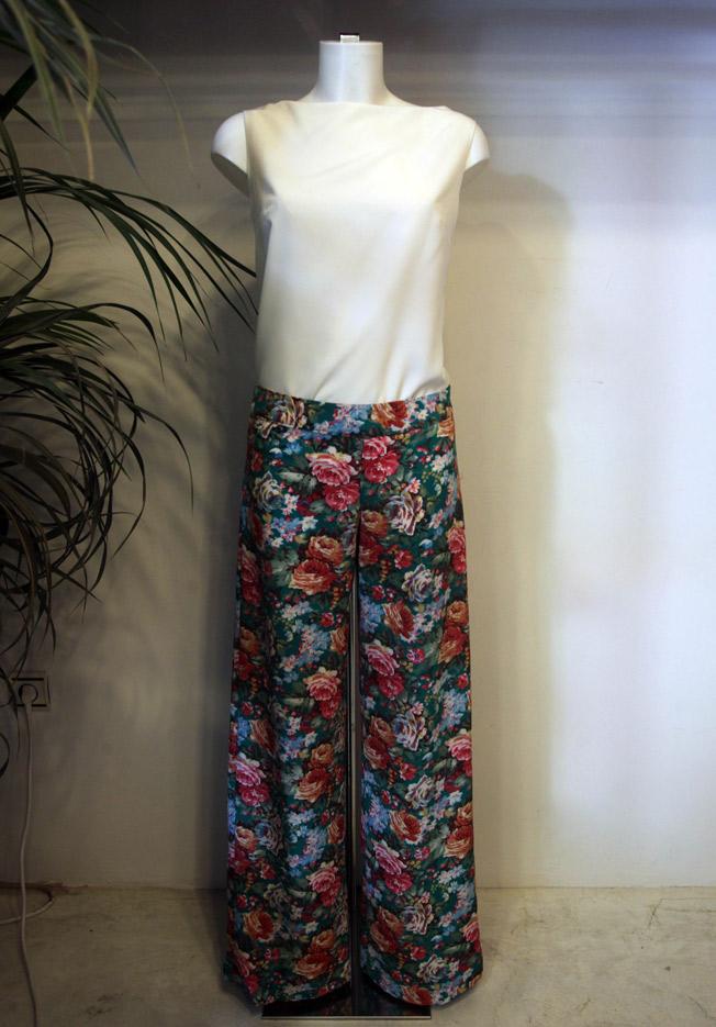 Pantalón estampado floral y top Ivory de Bruna