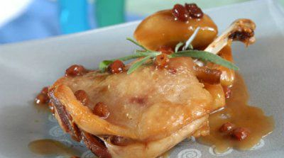 Confit de pato con manzana