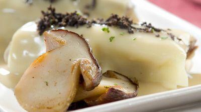 Canelones de setas con foie y trufa
