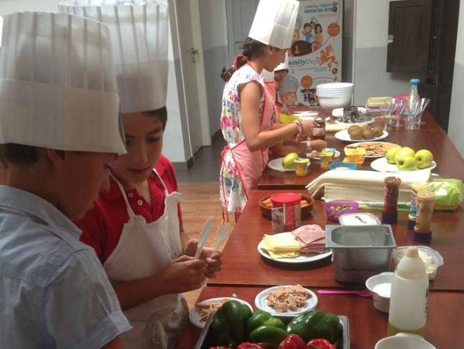 Planes interesantes y educativos para ni os en sevilla for Clases de cocina sevilla