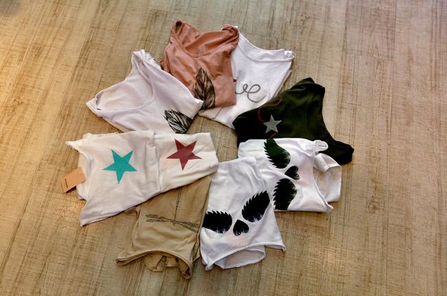 Colección de camisetas de algodón con dibujos estampados en la parte delantera