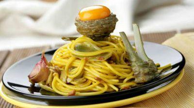 Espaguetis con alcachofas