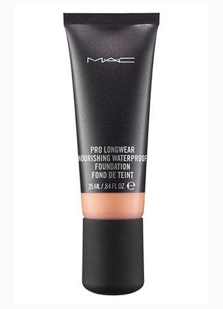Diez productos para alargar la duración del maquillaje. Base de maquillaje