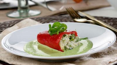 Pimientos rellenos de bacalao en salsa verde