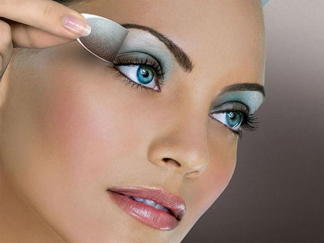 Siete productos para un maquillaje rápido