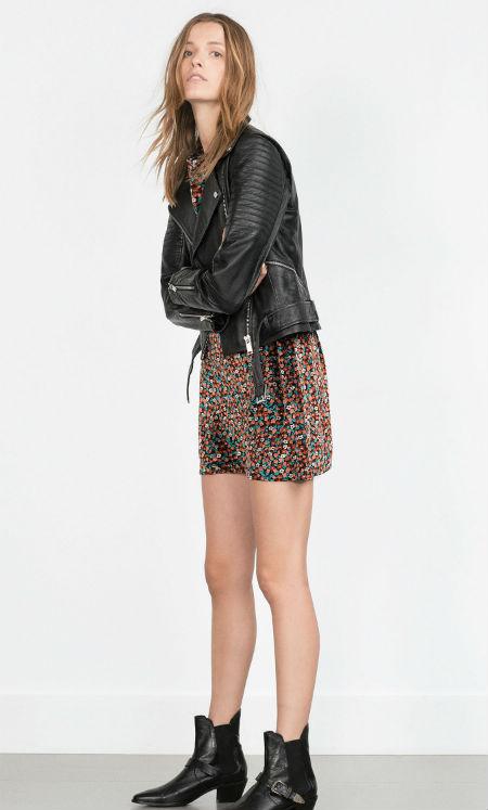 Minivestido de terciopelo de Zara