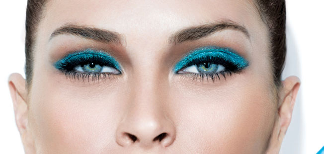 Diez formas de pintarse los ojos: sombra única de color intenso