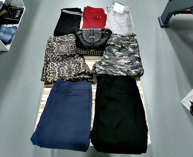 Pantalones y shorts en diferentes modelos, colores, estampados y texturas