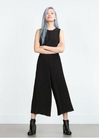 Falda pantalón plisada de Zara