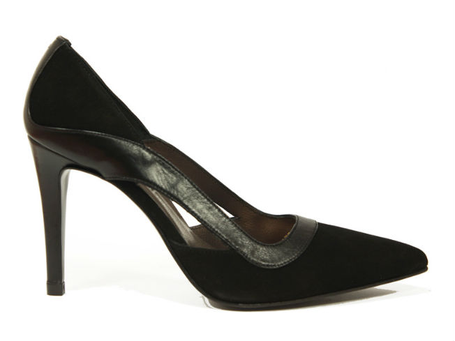 Stiletto negro de Nuria Cobo