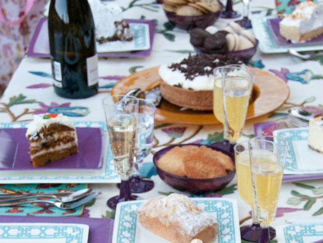 C mo poner una mesa bonita con vajilla y cubiertos for Como poner una mesa bonita