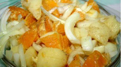 Ensalada de patatas con naranja