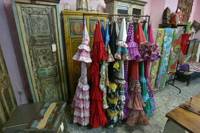 Almacenes de muebles en sevilla gallery of el mercadillo - Muebles antiguos en sevilla ...