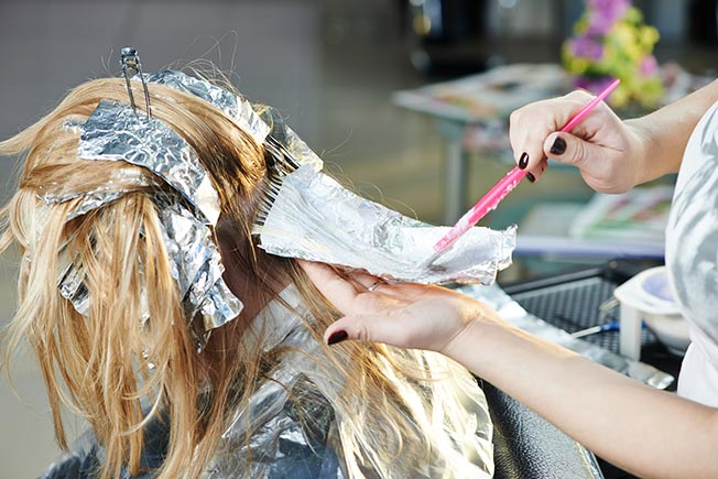 Mechas «balayage» vs. mechas aluminio