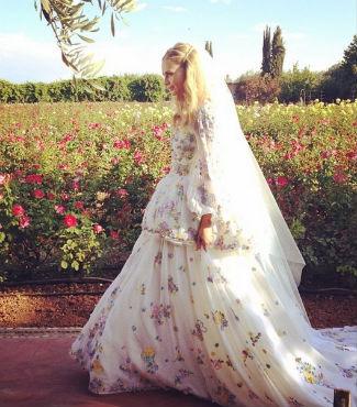 Vestido de novia de Poppy Delenvingne