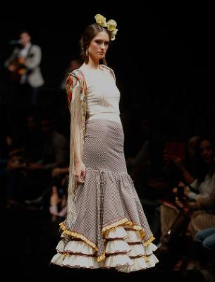 Falda y blusa rociera por menos de 350 euros de Arte y Compás