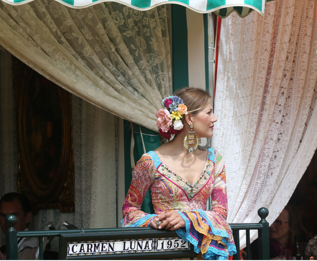 Flamencas vistas por el real el miércoles de Feria de Abril 2016. Foto: Vanessa Gómez