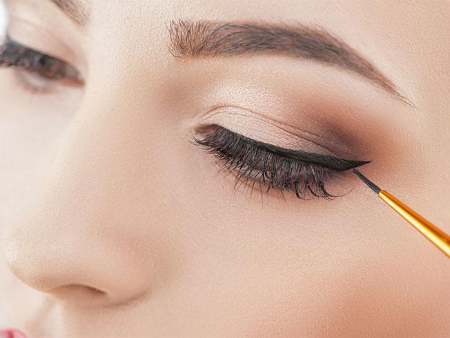 Trucos para aplicar el eyeliner correctamente